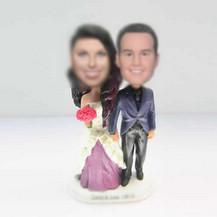 customzed bobble heads of wedding cake