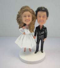 Bobbleheads custom of funny wedding cake