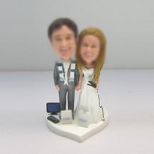 funny wedding cake bobble head